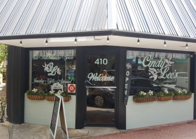 boutique sign and lettering in cocoa village